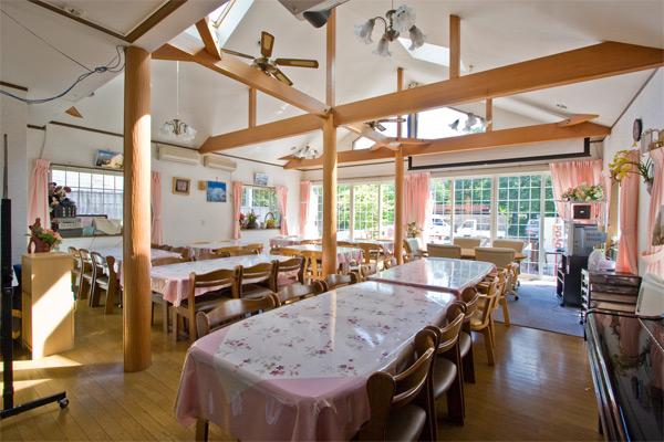 食堂兼多目的ホール